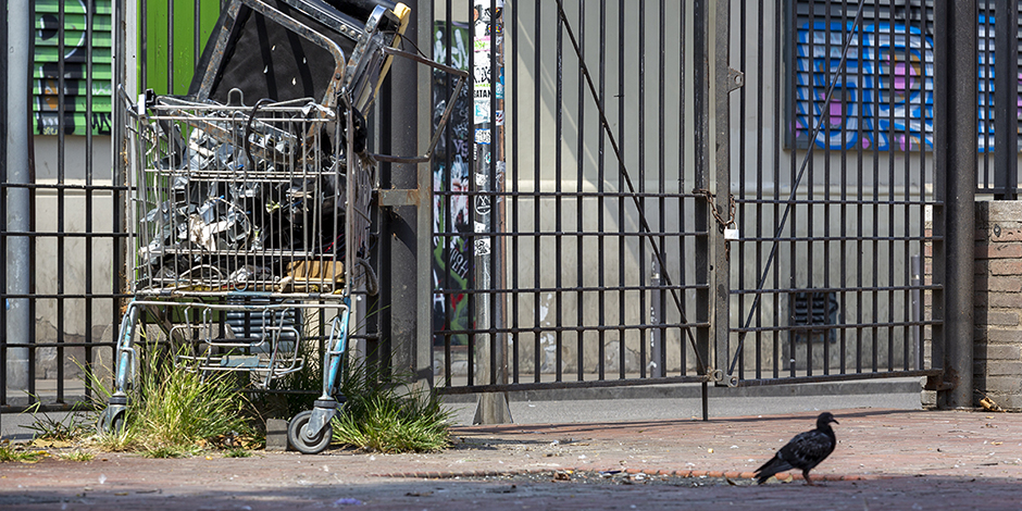 Un nou desallotjament de persones sense llar a Barcelona que vulnera drets
