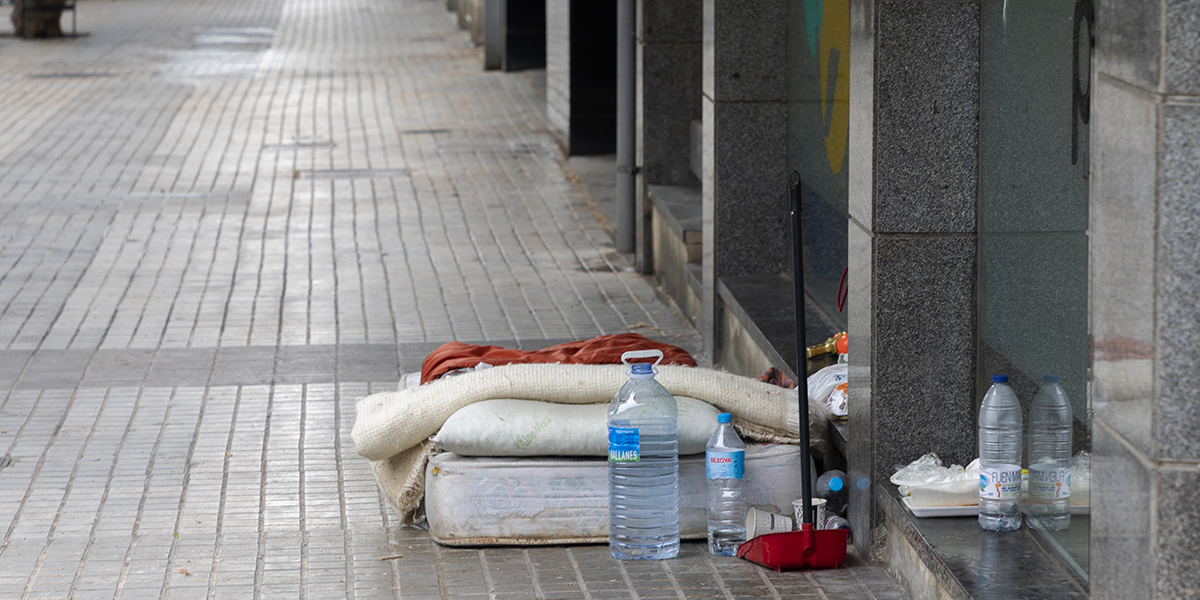 Living on the streets in Barcelona: 16 proposals so that everyone can have a home