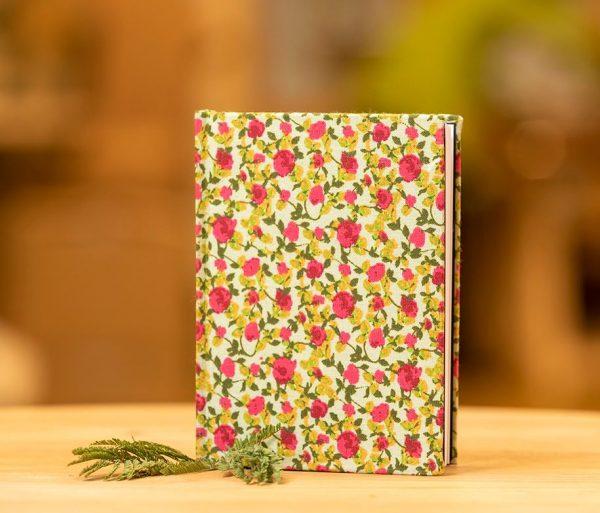 taller Arrels libreta estampada floral tienda