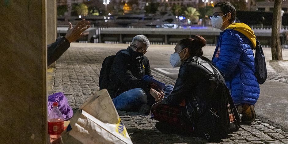 La pandèmia per la covid-19 empitjora la situació de les persones que viuen al carrer