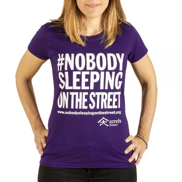 samarreta camiseta tshirt lila #nobodysleepingonthestreet arrels fundacio